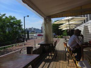 広島市内のカフェ「キャラントトロワ」