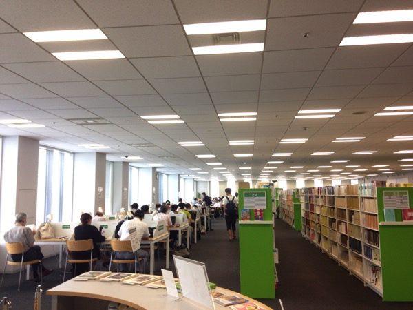 千代田図書館の自習室