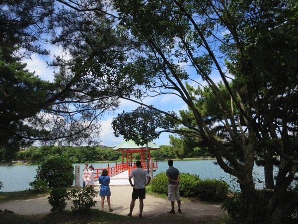 博多の大濠公園はボートやスタバにランニングもできる。