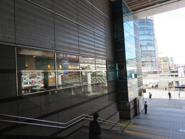 小倉駅直結で便利なカフェ