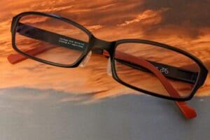 ゾフのサングラス(調光レンズ)